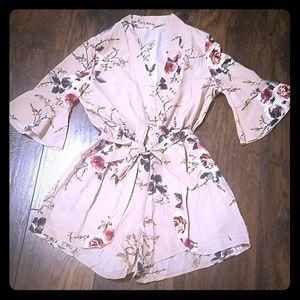 Other - 🌹 NWOT Floral belted romper with flutter sleeves